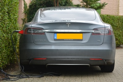 tesla electric car model s charging